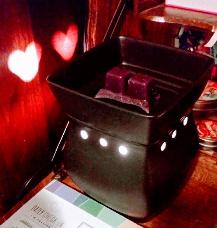 Review Scentsy Satin Black Warmer Black Raspberry Vanilla Wax Peachy Keen
